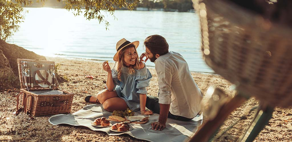 An outdoor picnic is one of the good first ideas to try