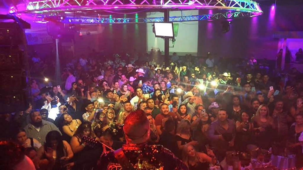 A huge crowd of people at Los Arcos