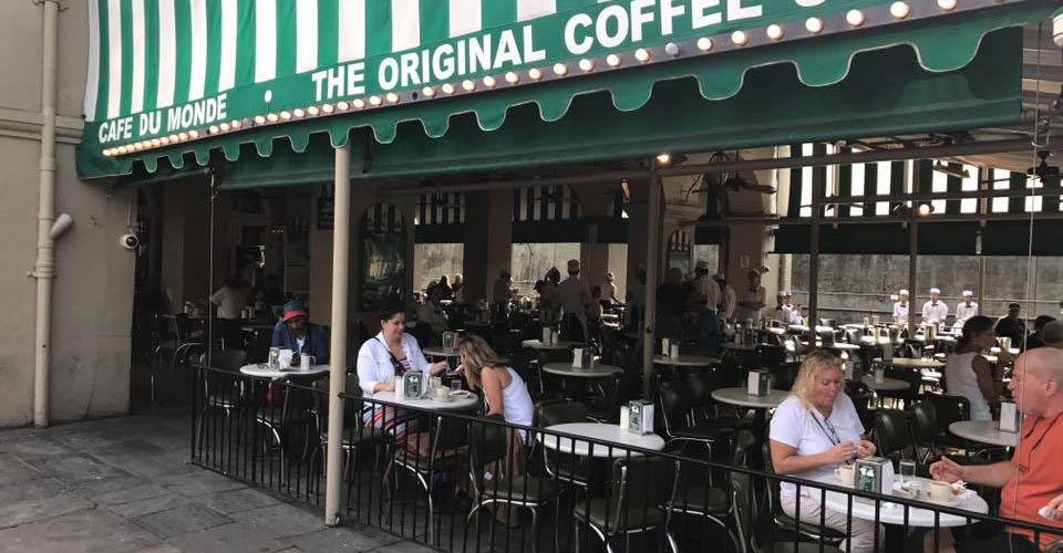The cozy patio of Cafe du Monde