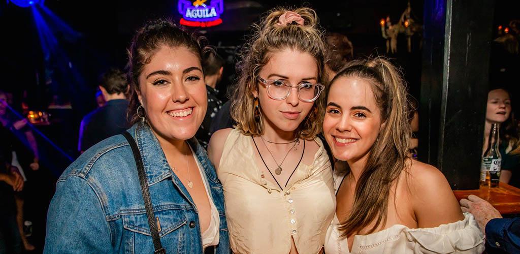 Hot Melbourne girls enjoying an evening at Mendoza Social Club