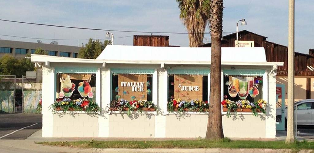 Exterior of Toi Moi Italian Ice Shop