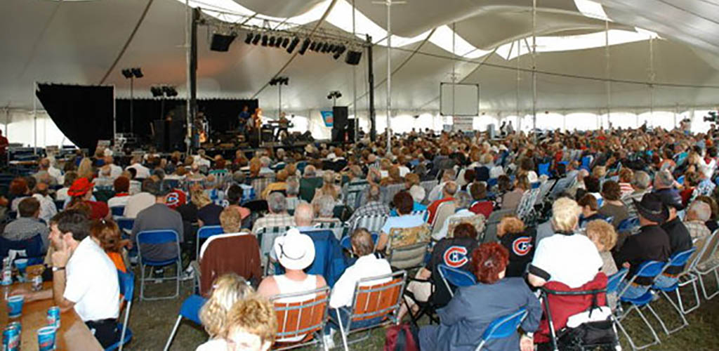 The audience at Festival Country de Longueuil