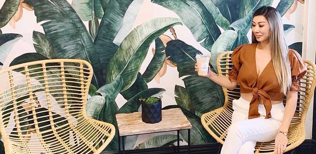 The summery interiors of Kaffeine Alley