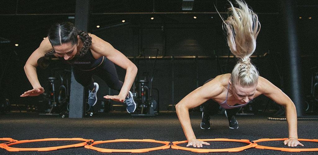 Intense push ups at World Gym