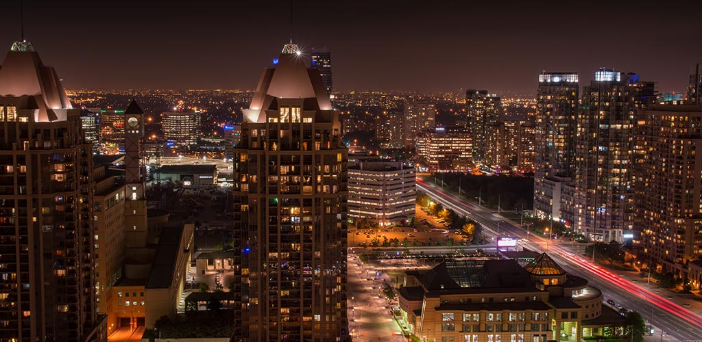 Mississauga Brampton Peel Region city night panorama skyline Tor