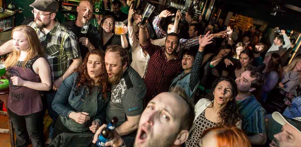 Happy hour at Pub St. Patrick