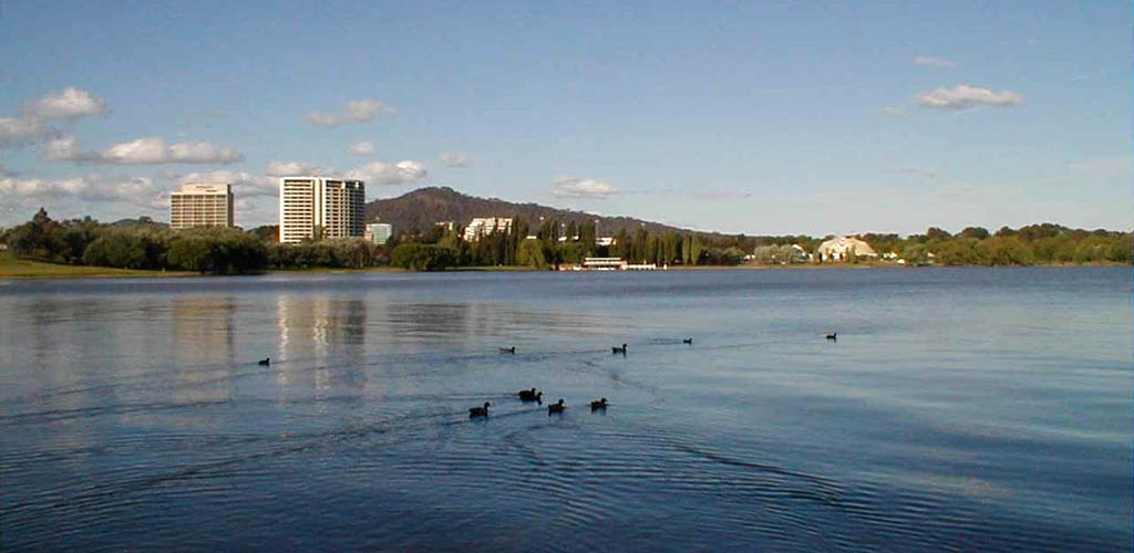 The beautiful view of Lake Burley Griffin