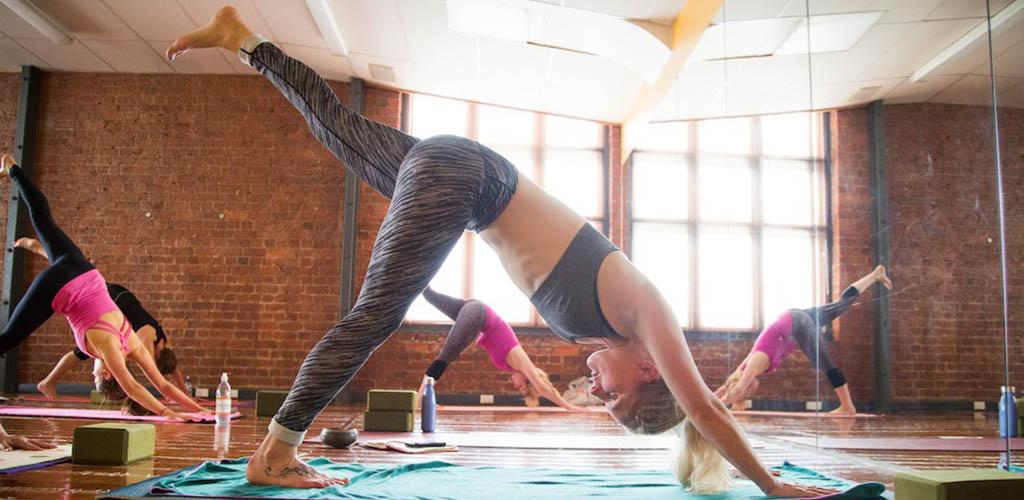 A class at Hot Yoga Wellington
