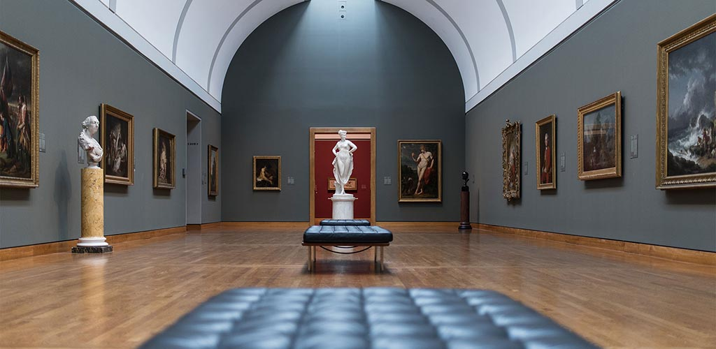 A classical art hall at the National Gallery of Canada